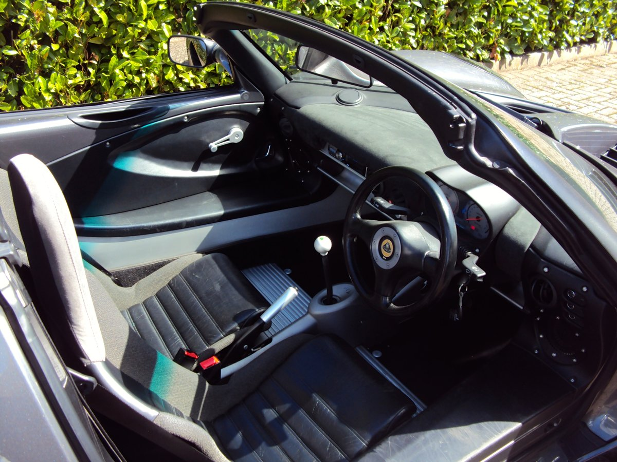 2002 An EXCEPTIONAL Low Mileage Lotus Elise 111S VVC - LARINI For Sale (picture 6 of 6)