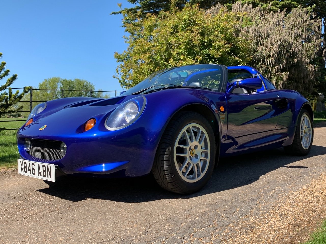 2000 Lotus Elise S1 - ONLY 17,900 Miles *** NOW SOLD *** For Sale (picture 2 of 6)