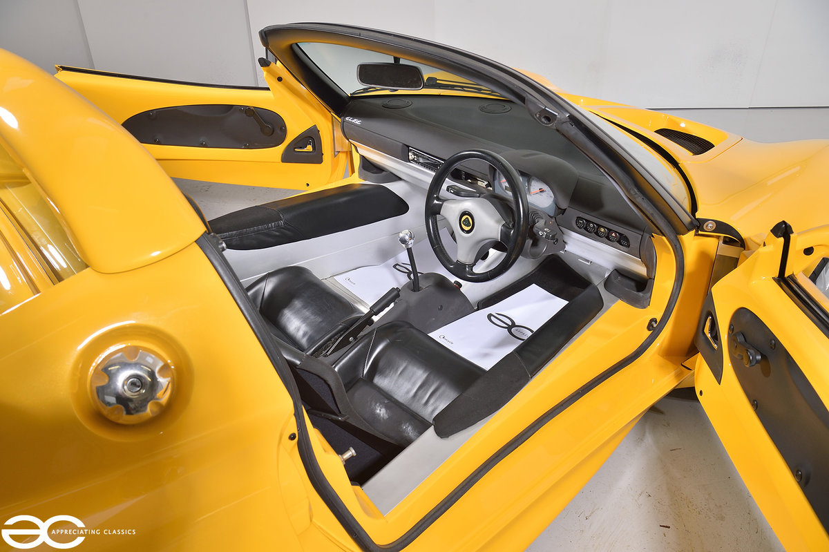 2000 One Owner - 25k Miles - Lotus Elise S1 - Fantastic History SOLD (picture 6 of 11)