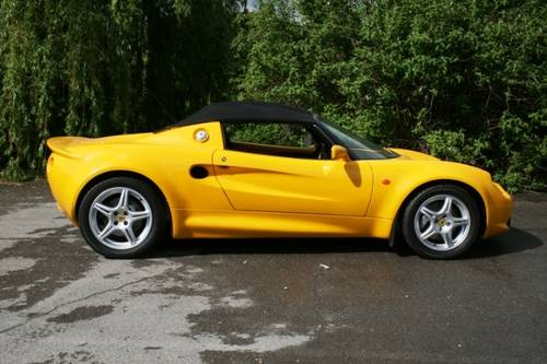 1998 Lotus Elise S1  SOLD (picture 3 of 6)