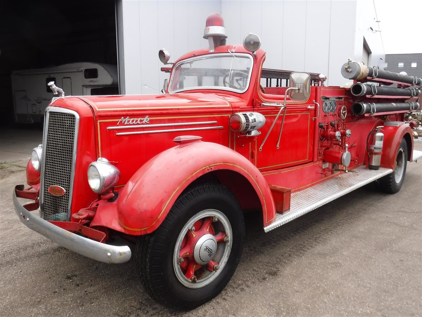 Mack Firetruck type 75 1947 For Sale (picture 1 of 6)