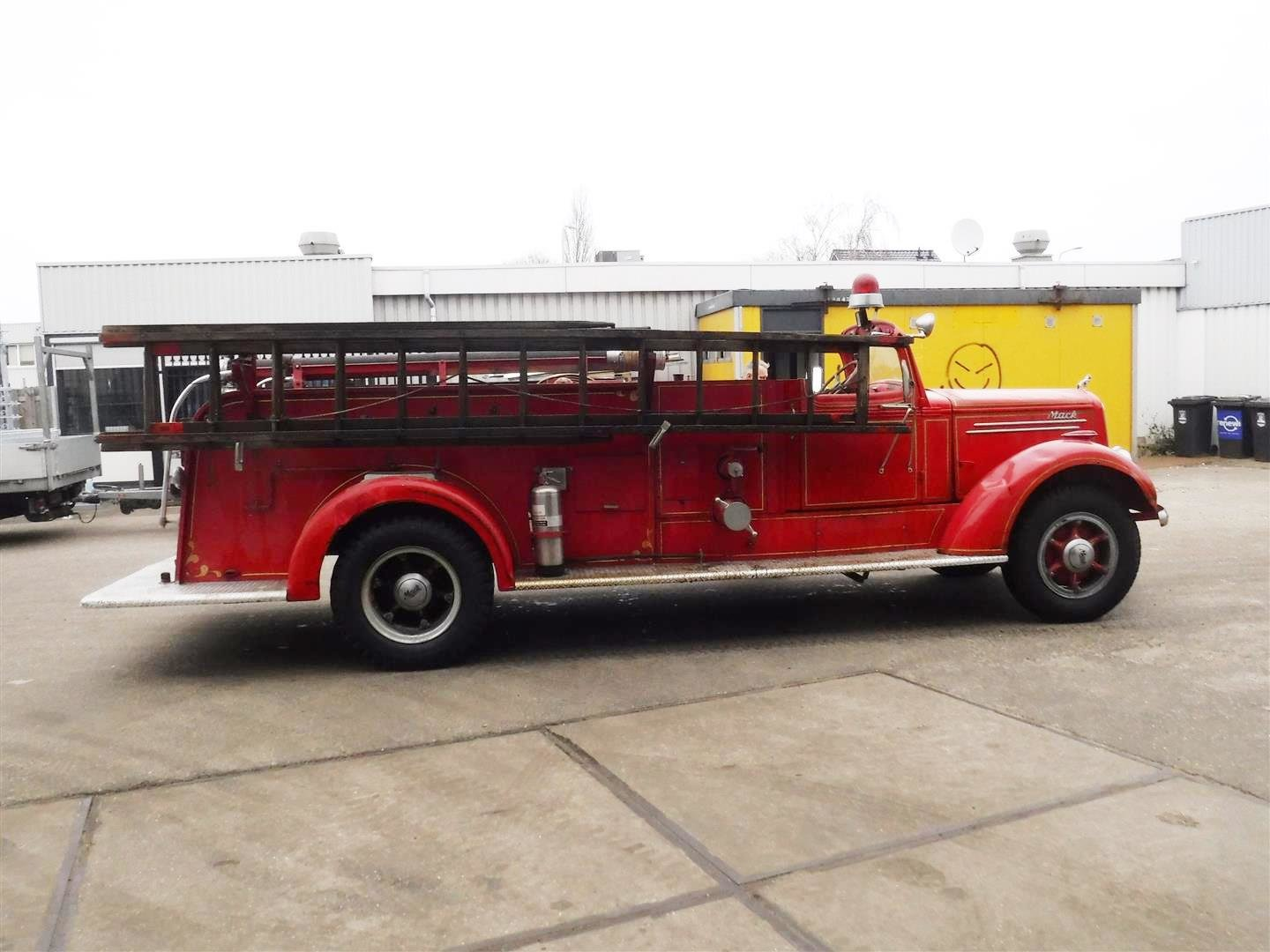 Mack Firetruck type 75 1947 For Sale (picture 6 of 6)