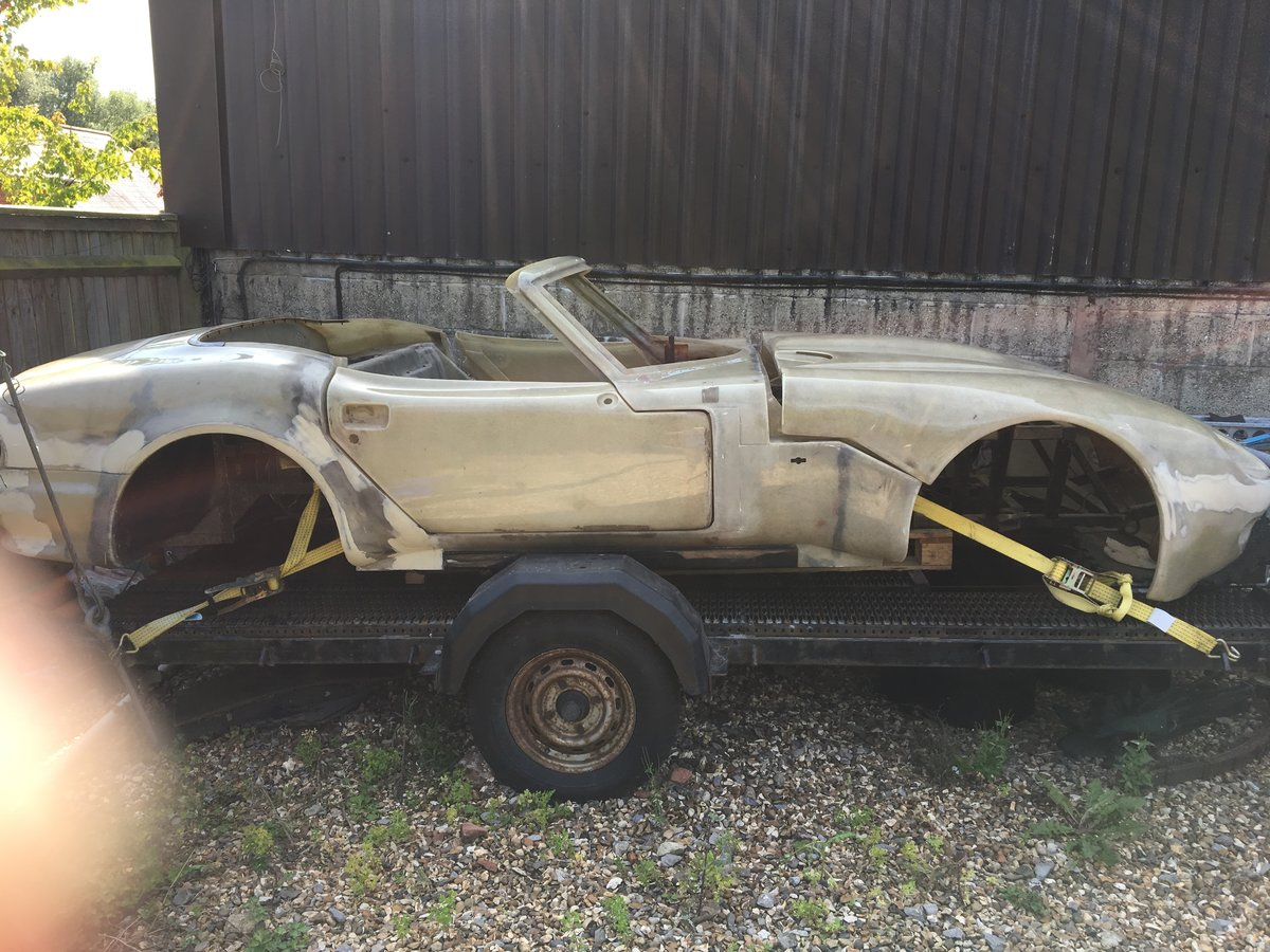 1998 Marcos Mantaray project car For Sale (picture 1 of 6)