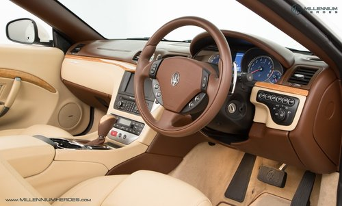 2010 MASERATI GRANCABRIO // ONLY 2K MILES // JUST BEEN SERVICED  For Sale (picture 4 of 6)