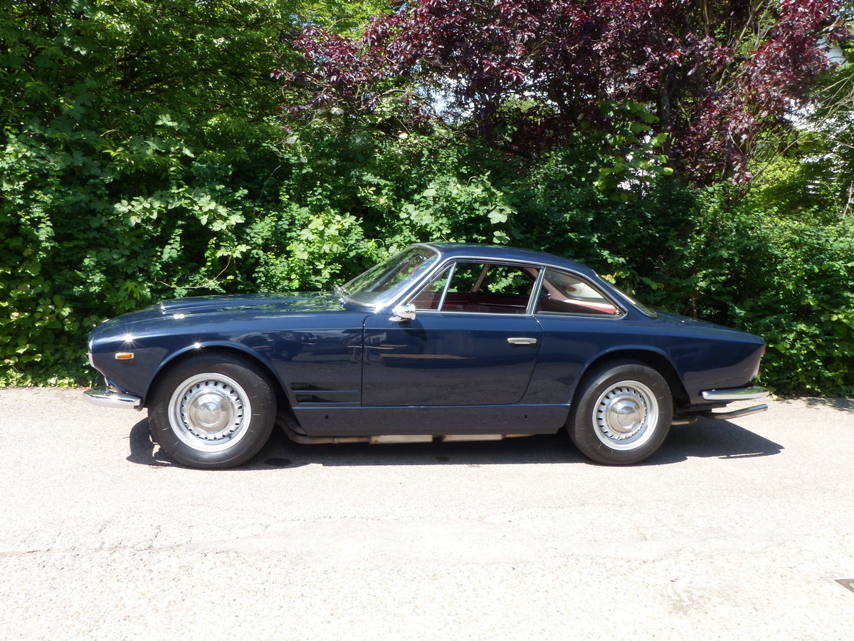 1963 Fantastic Maserati Sebring Mk1, dark-blue, red leather For Sale (picture 2 of 6)