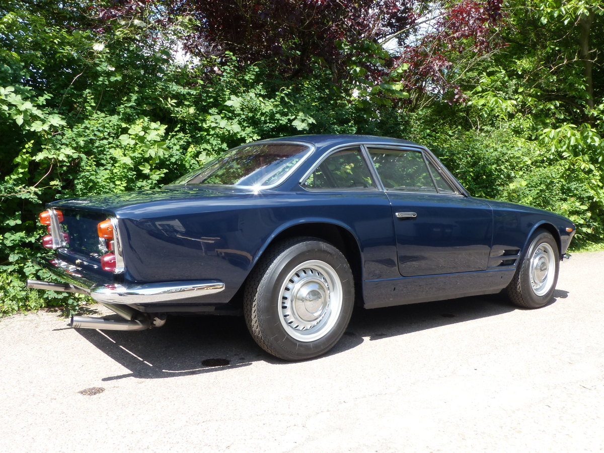 1963 Fantastic Maserati Sebring Mk1, dark-blue, red leather For Sale (picture 3 of 6)