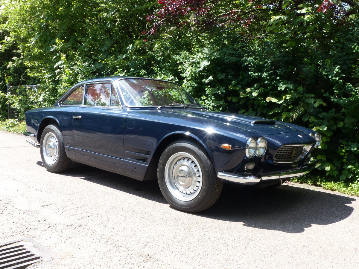 1963 Fantastic Maserati Sebring Mk1, dark-blue, red leather For Sale (picture 4 of 6)