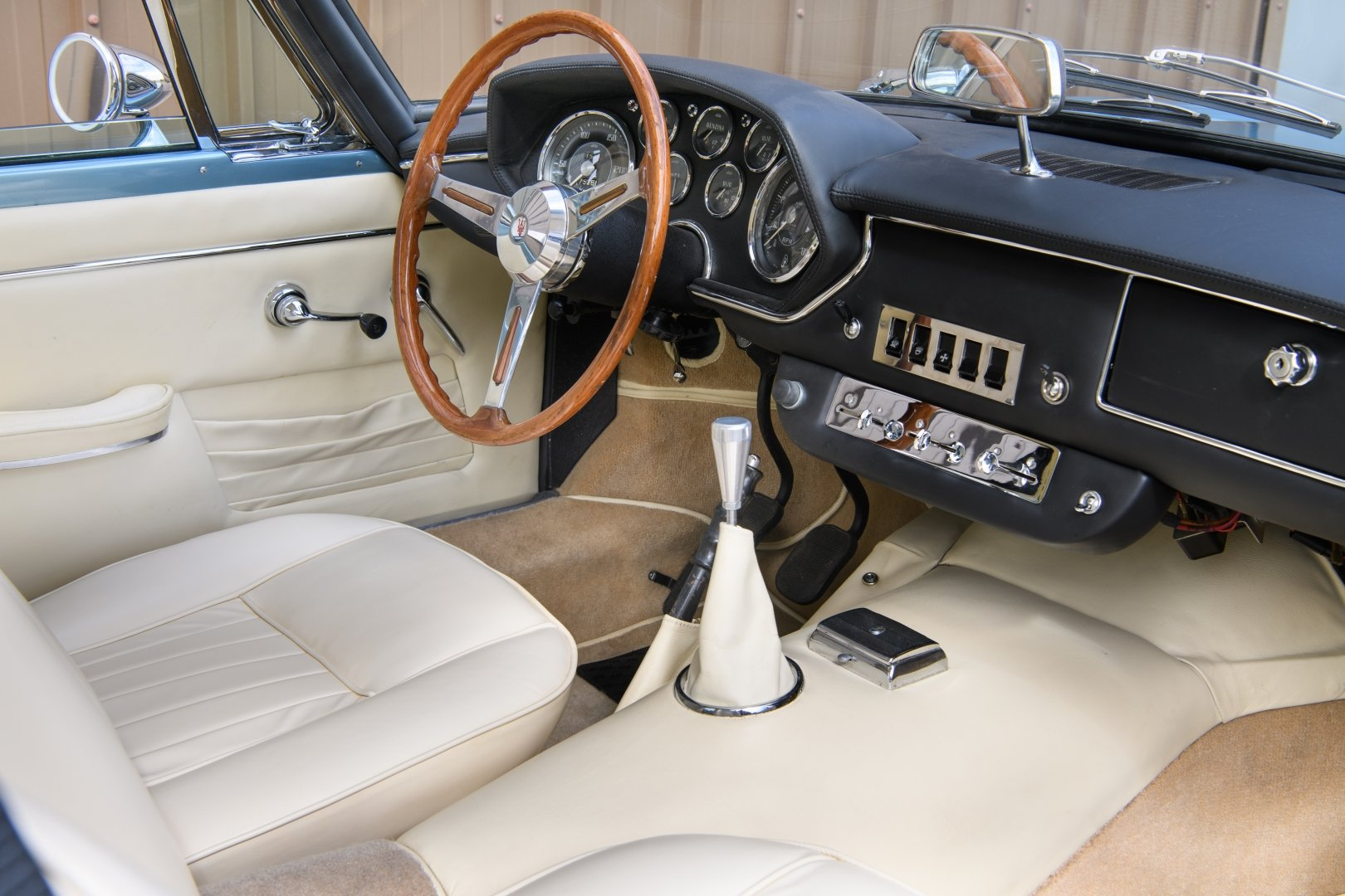 1965 Maserati Mistral 3700 Coupe  For Sale (picture 3 of 6)