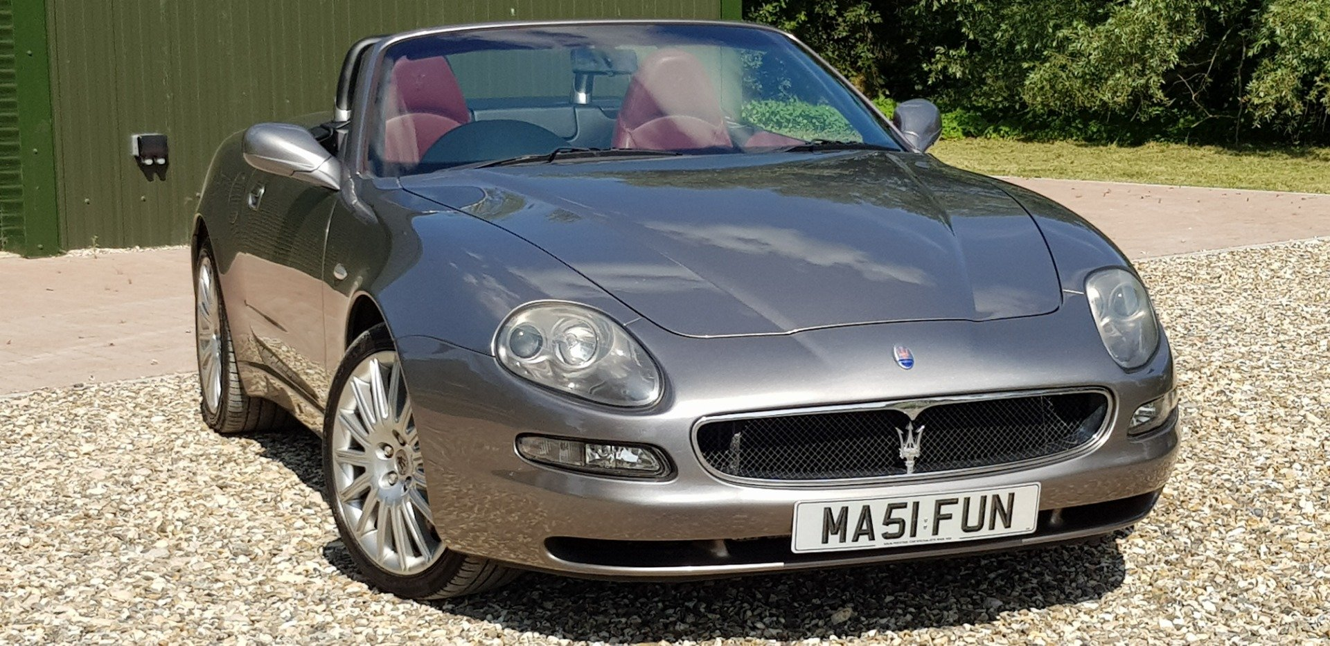 2002 very  low  miles  fsh  simply  stunning  and  sought after   For Sale (picture 1 of 6)