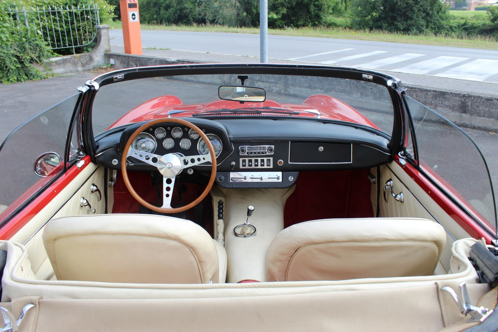 1965 Maserati Mistral 3.7 Spyder For Sale (picture 5 of 6)