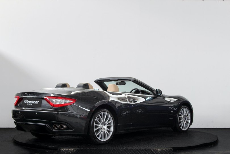 2010 Maserati GranCabrio - 20K Miles - BOSE - Skyhook For Sale (picture 3 of 6)