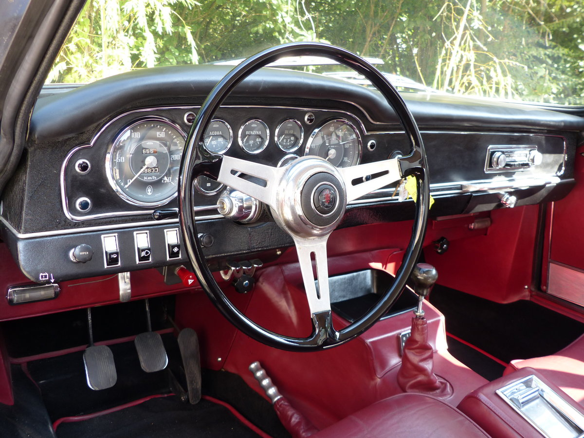 1963 Fantastic Maserati Sebring Mk1, dark-blue, red leather For Sale (picture 9 of 12)
