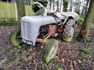1958 Tractor needs some tlc