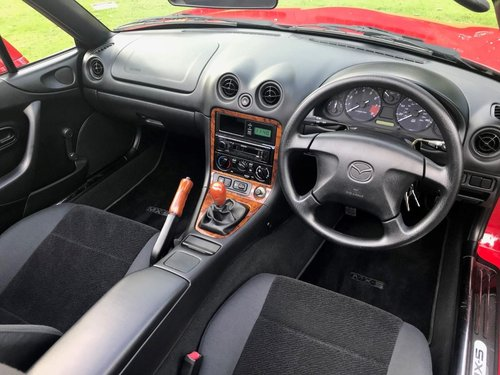 1998 'S' MAZDA MX5 RED JUST 4,897 MILES CONCOURS SHOW CAR!! SOLD (picture 6 of 6)