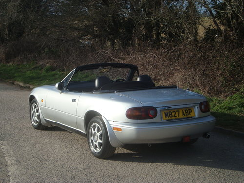 1995 Mazda MX5 Mk 1 1.8is 58000 miles from new For Sale (picture 4 of 6)