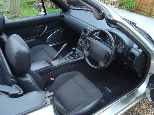 1995 Mazda MX5 Mk 1 1.8is 58000 miles from new For Sale (picture 5 of 6)