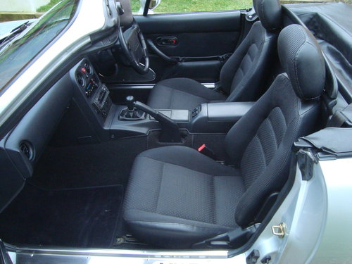 1995 Mazda MX5 Mk 1 1.8is 58000 miles from new For Sale (picture 6 of 6)
