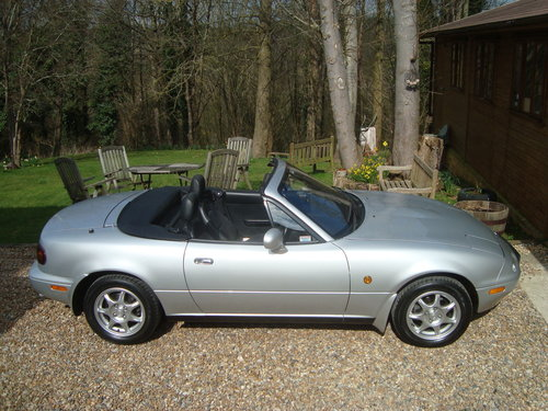 1997 Mazda MX5 Mk1 1.8is 45000 miles from new. SOLD (picture 3 of 6)
