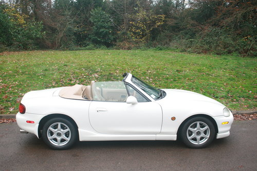 1998 Mazda Roadster 1.8i 6 Speed.. Rare VS Spec.. Immaculate SOLD (picture 4 of 4)