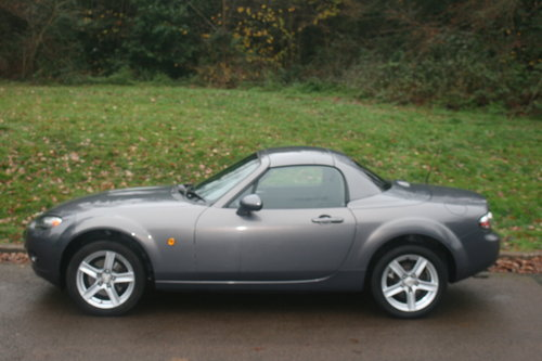 Mazda MX-5 Roadster.. Low Miles.. FSH.. Electric Hard Top SOLD (picture 1 of 6)