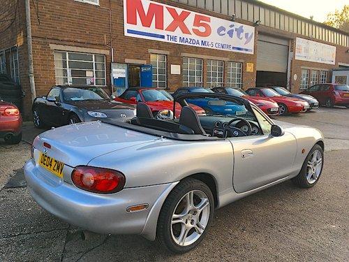 2004 Mazda MX5 Mk2.5 1.8 S-VT Sport model in Sunlight Silver For Sale (picture 2 of 6)
