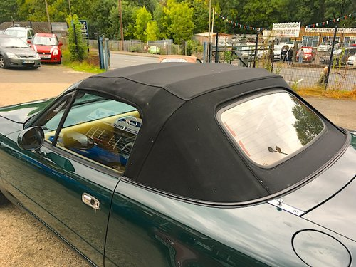 1992 Eunos Mk1 1.6 V-Spec Automatic in Neo Green For Sale (picture 3 of 6)