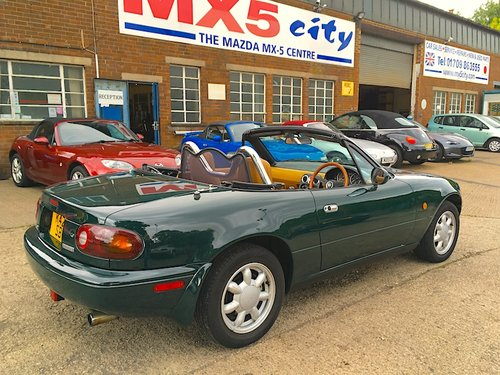 1992 Eunos Mk1 1.6 V-Spec Automatic in Neo Green For Sale (picture 4 of 6)