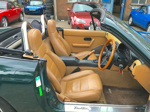 1992 Eunos Mk1 1.6 V-Spec Automatic in Neo Green For Sale (picture 5 of 6)