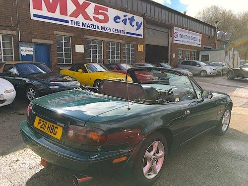 1997 Mazda MX-5 Mk1 1.6 Monaco in Neo Green For Sale (picture 3 of 6)