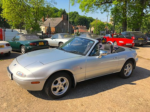 1995 Mazda Eunos Roadster Mk1 1.8 in Silver Stone For Sale (picture 1 of 6)