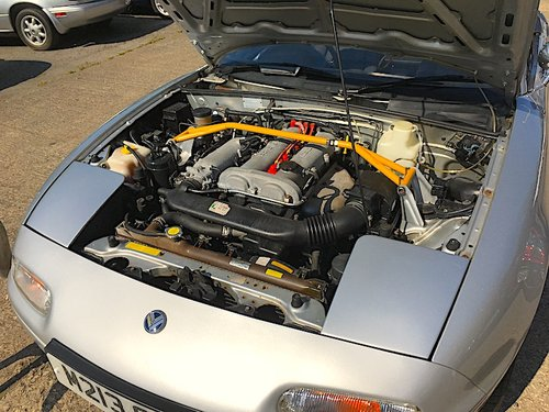 1995 Mazda Eunos Roadster Mk1 1.8 in Silver Stone For Sale (picture 4 of 6)
