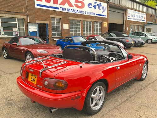 1994 Mazda Eunos Mk1 1.8 in Classic Red For Sale (picture 4 of 6)