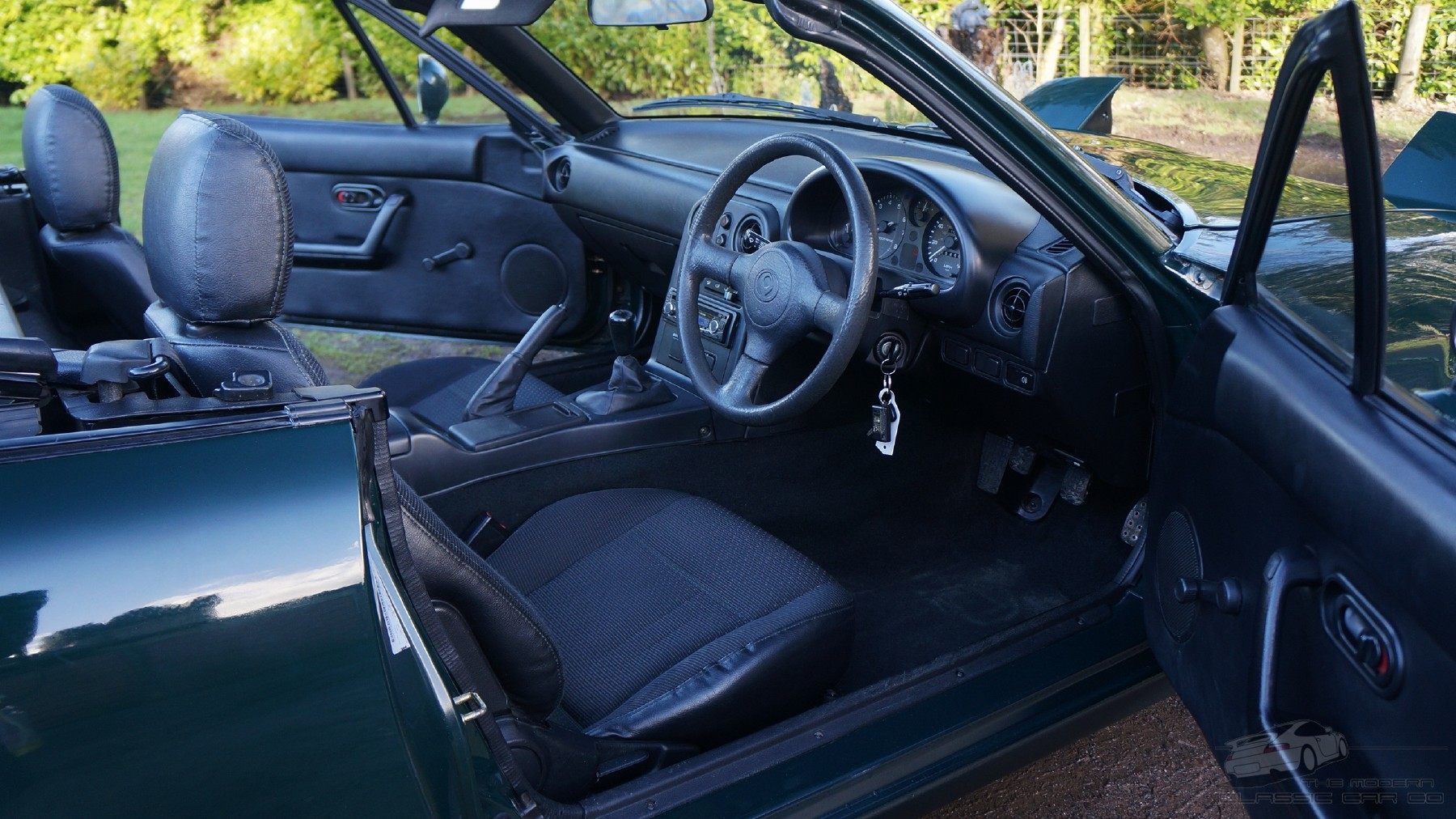 **VERY CLEAN MUST SEE** 1996 MAZDA MX5 ROADSTER 1 SOLD (picture 4 of 6)