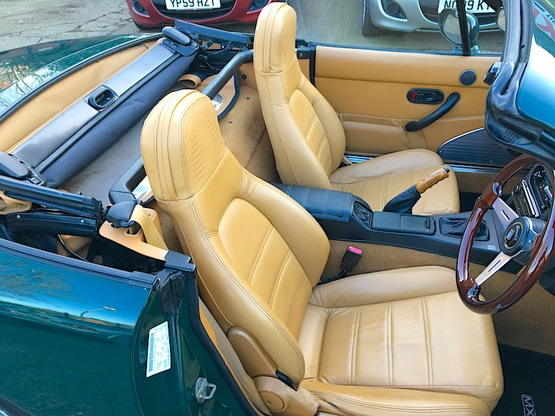 1995 Mazda Eunos Mk1 1.8 V-Spec Roadster in Neo Green For Sale (picture 5 of 6)