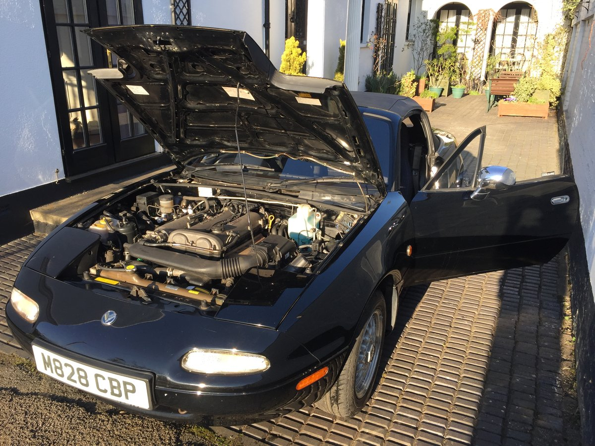1995 MX5 Eunos 1.8 automatic - black & black For Sale (picture 5 of 6)
