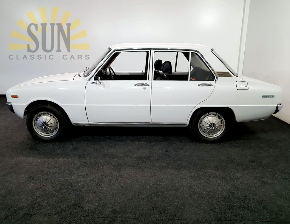Mazda 1200 Deluxe 1969, very original 3rd owner. For Sale (picture 3 of 6)