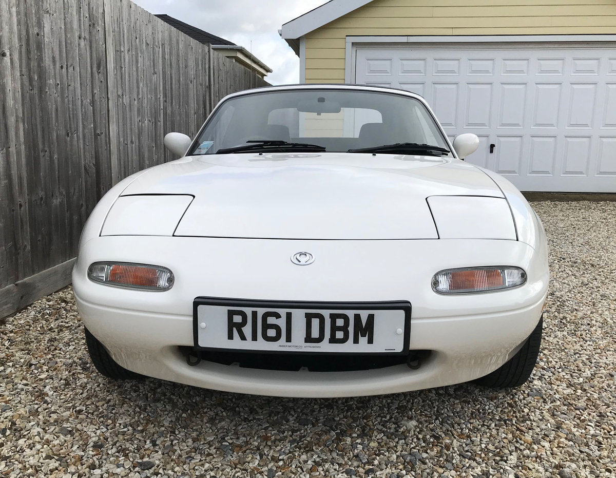1997 Mk1 Mazda MX5 - Very Low Mileage SOLD (picture 3 of 6)