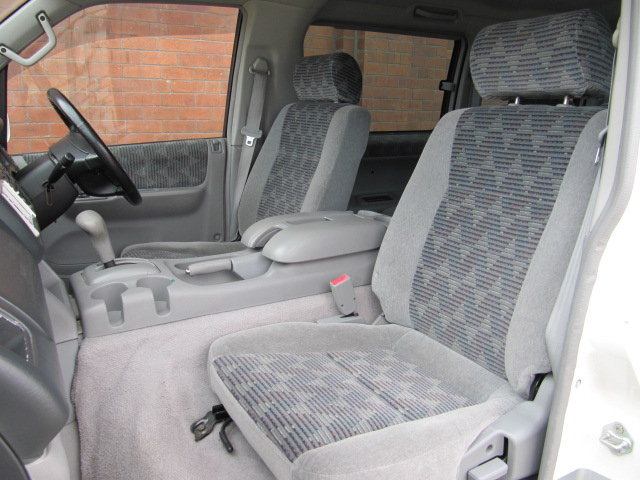 2000 MAZDA BONGO FRIENDEE 2.5 AUTOMATIC * 8 SEATER CAMPER VAN *  For Sale (picture 3 of 6)