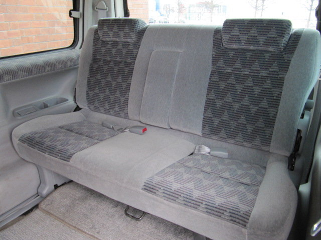 2000 MAZDA BONGO FRIENDEE 2.5 AUTOMATIC * 8 SEATER CAMPER VAN *  For Sale (picture 5 of 6)