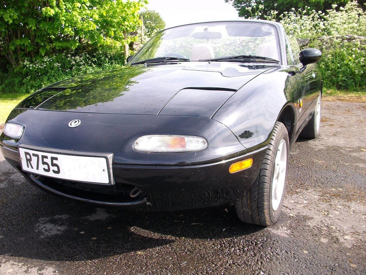 Mazda MX5 1.6 1997	 Leather seats		£1,100 SOLD (picture 1 of 6)