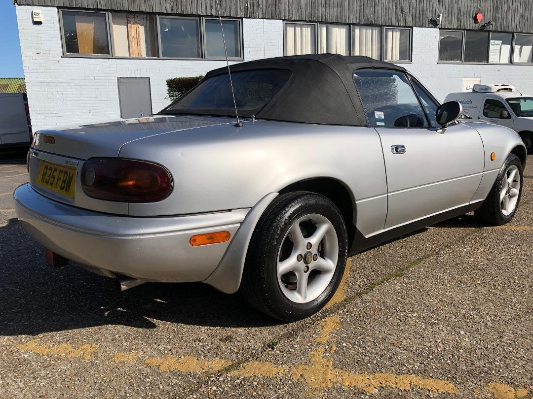 1998 Mazda MX-5 MK1. 1.8. Mercury Silver. FSH For Sale (picture 2 of 6)