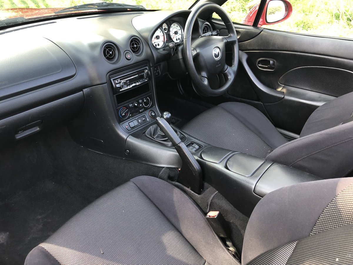 2004/04 Mazda MX5 1.6 Convertible with ONLY 63,000 Miles! For Sale (picture 5 of 6)