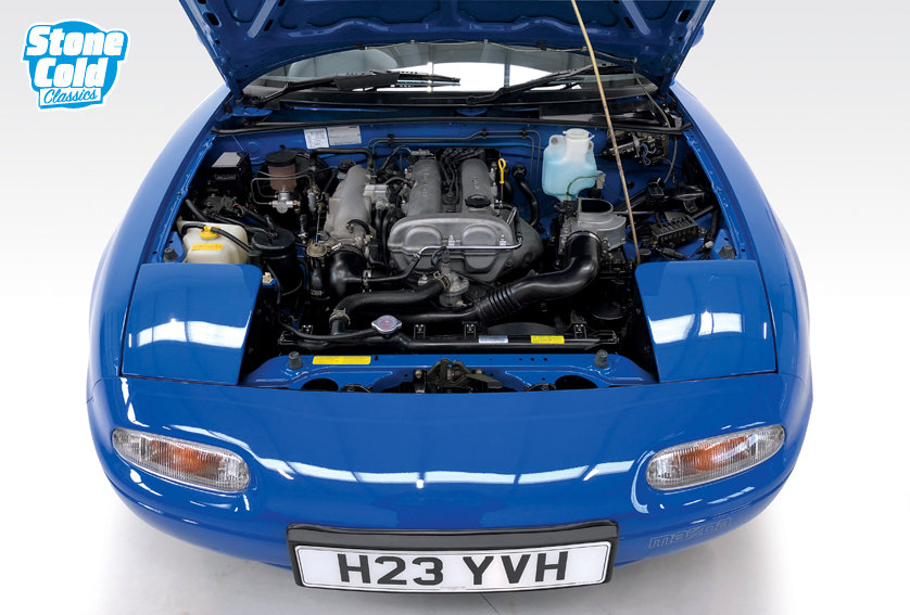 1991 Mazda MX-5 1.6i with just 16,400 miles SOLD (picture 4 of 6)