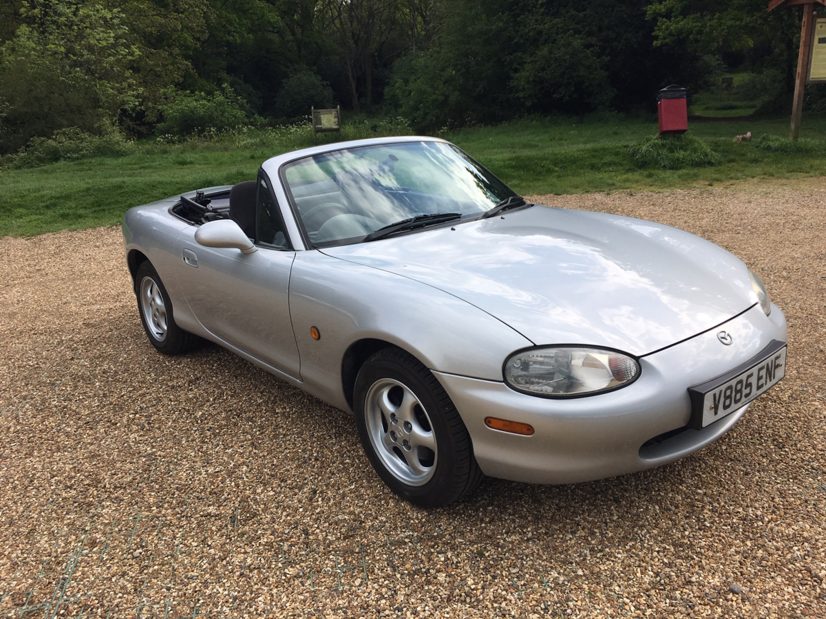 1999 Mazda MX5 Eunos Roadster For Sale (picture 2 of 6)