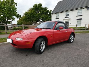 1997 Mazda MX5 MK1 - 1.6i in Classic Red For Sale