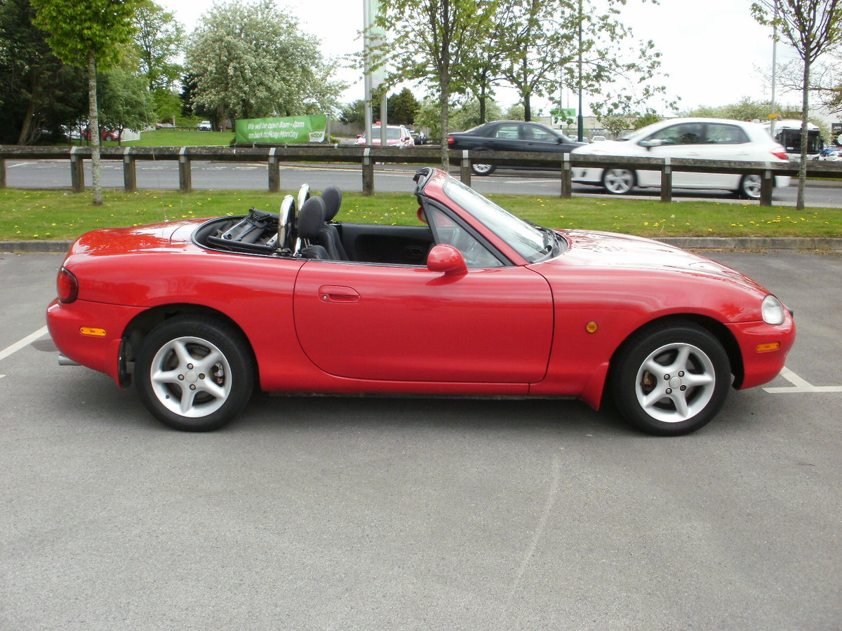 1998 Early MX5 Mk 2 For Sale (picture 2 of 6)