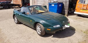 1992 Mazda eunos v spec in British racing green