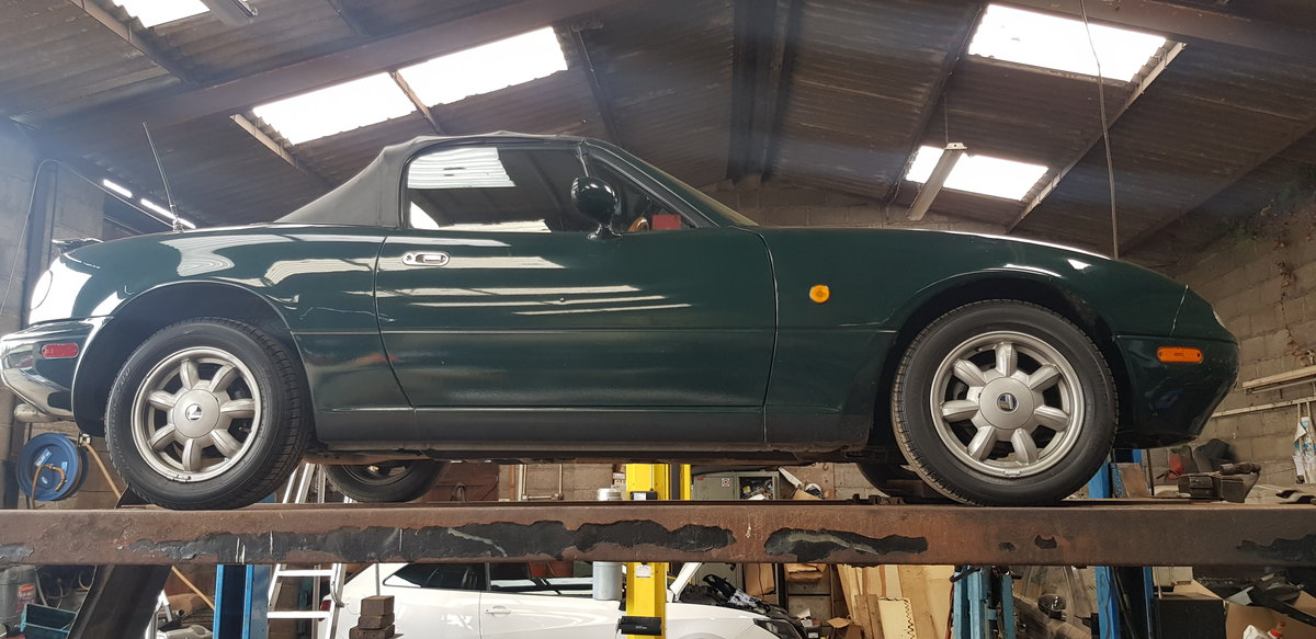 1992 Mazda eunos v spec in British racing green For Sale (picture 4 of 6)