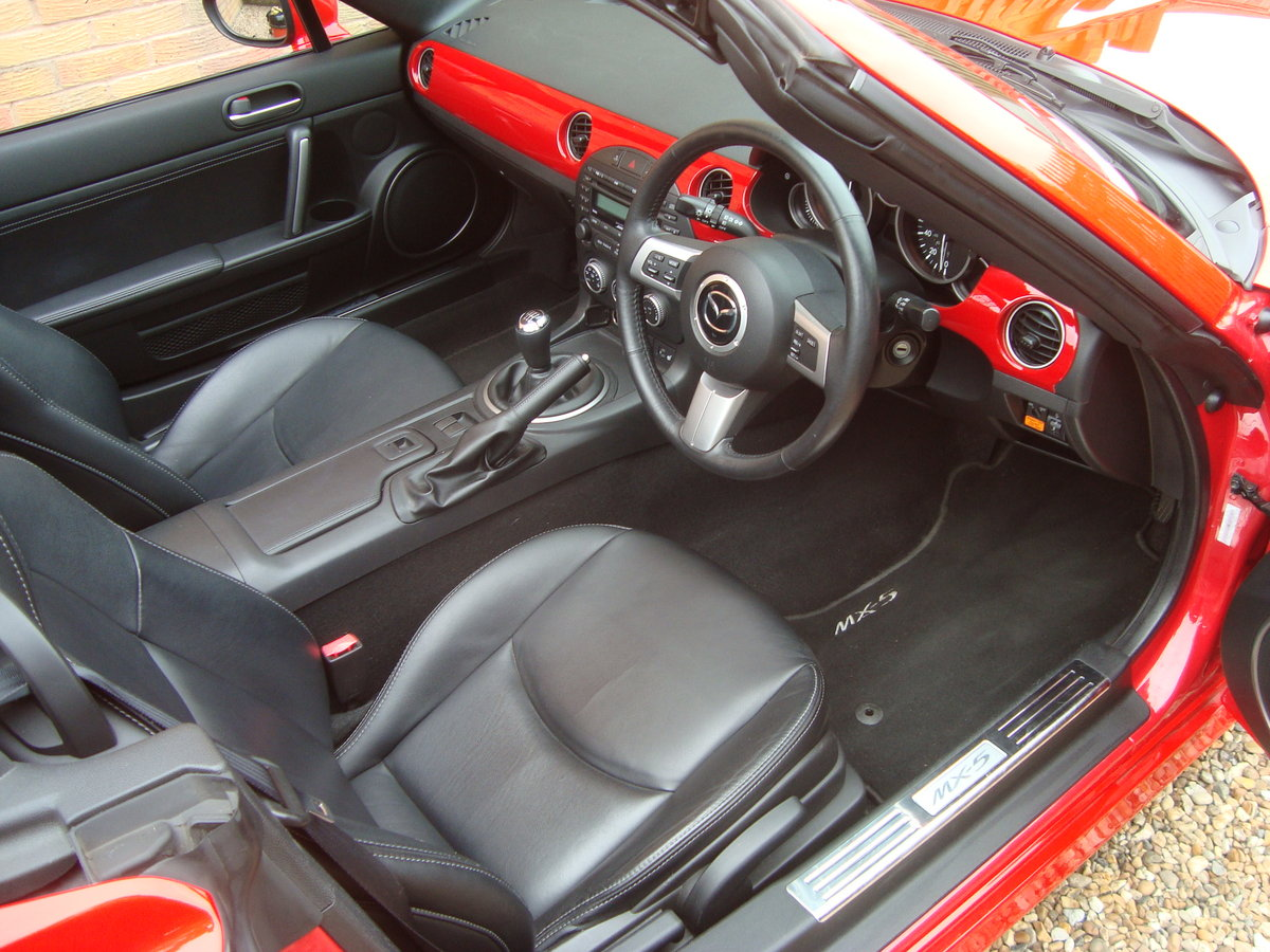 2010 Mazda MX5 2.0 Sport Tech Roadster Coupe For Sale (picture 4 of 6)