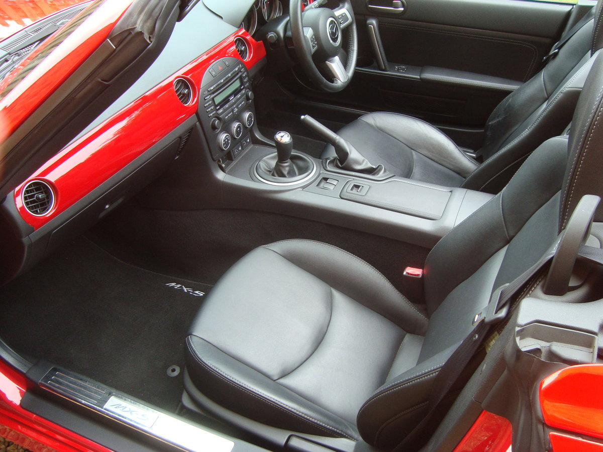 2010 Mazda MX5 2.0 Sport Tech Roadster Coupe For Sale (picture 5 of 6)